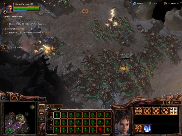 A Zerg army in the Starcraft II: Heart of the Swarm campaign