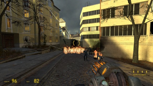 Battling Striders in Half-Life 2