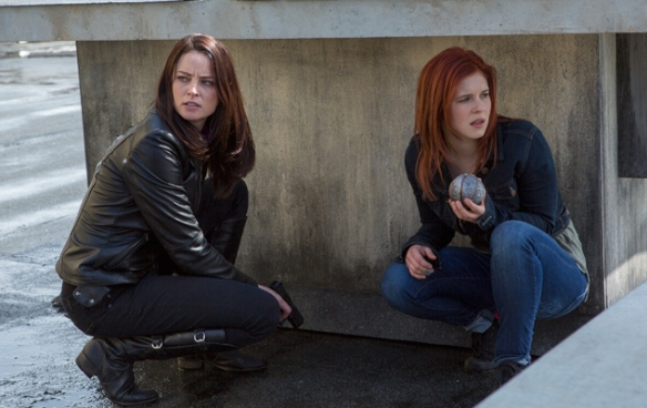 Emily and Kiera confronting the Freelancers in Continuum's second season