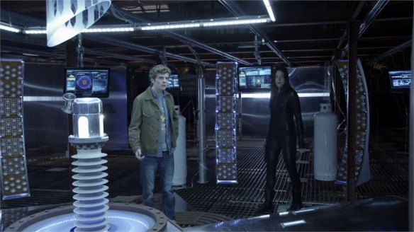 Kiera and Alec prepare to activate the time travel device in the second season finale