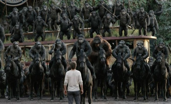 Malcolm confronts the apes in Dawn of the Planet of the Apes
