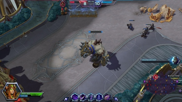 A punisher moves on the enemy base in Heroes of the Storm